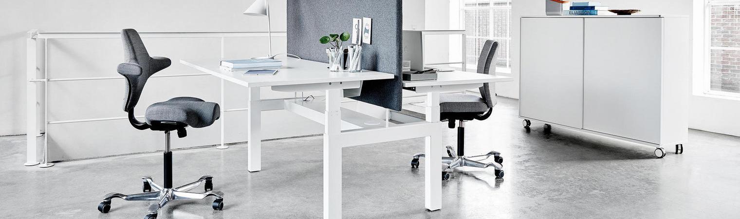 Fitout Storage and adjustable desking